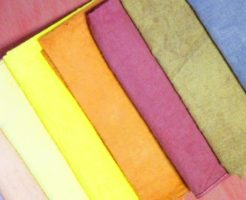 草木染めの布